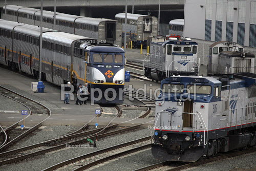 The railroad yard in the Port of Oakland, where Amtrak passenger trains are marshalled. - David Bacon - 2010-06-20