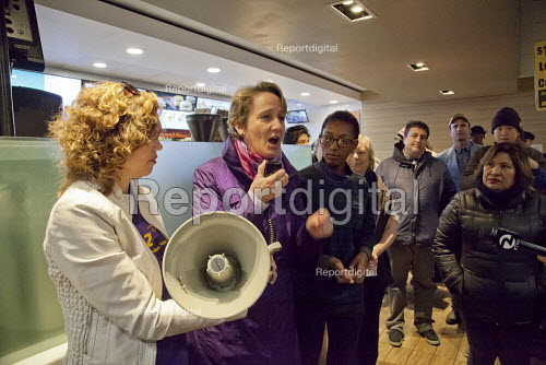 USA, SEIU Pres Mary Kay Henry in a protest at a McDonalds fast food restaurant, workers calling for 15 an hour minimum wage and union rights in a global day of action. Mission District, San Francisco, USA - David Bacon - 2015-04-15