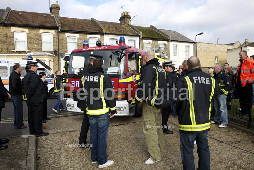London fire strike, Picket Tottenham Fire Station. Strikers objecting to the use of an untaxed fire tender - Duncan Phillips - 2010-11-01