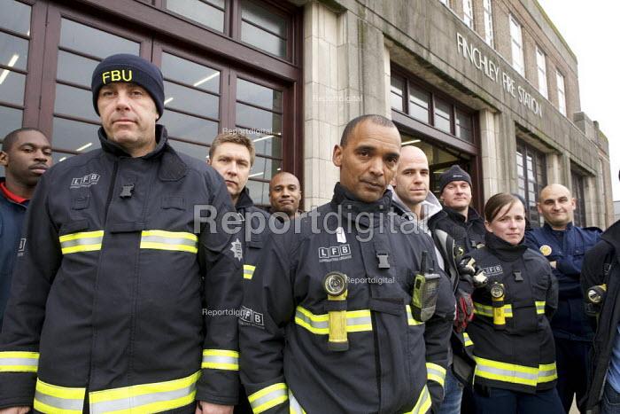 London fire strike, Picket Finchley Fire Station - Duncan Phillips - 2010-11-01