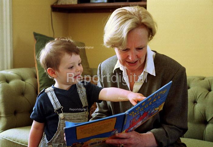 Grandmother reading to Grandchild - Duncan Phillips - 2002-01-17