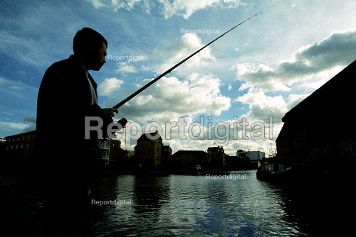 Fisherman on the Grand Union Canal london. - Duncan Phillips - 2002-10-24