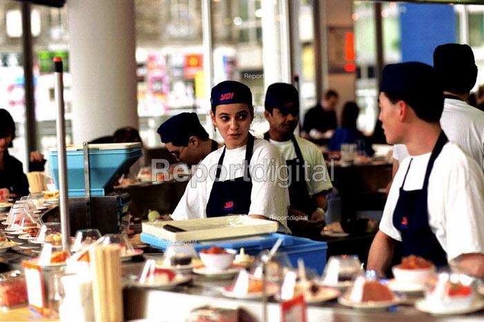 Workers Preparing Suchi at Yo Suchi Clerkenwell london - Duncan Phillips - 2002-07-25