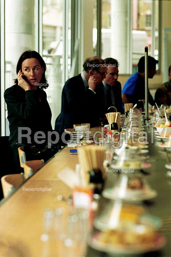 Diners at Yo Suchi Clerkenwell london - Duncan Phillips - 2002-12-04