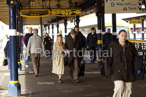 Elderly couple travelling by train. - Duncan Phillips - 2007-03-06