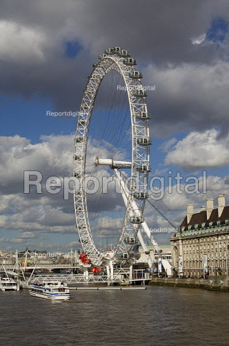 London Eye and County Hall, London - Duncan Phillips - 2007-03-06
