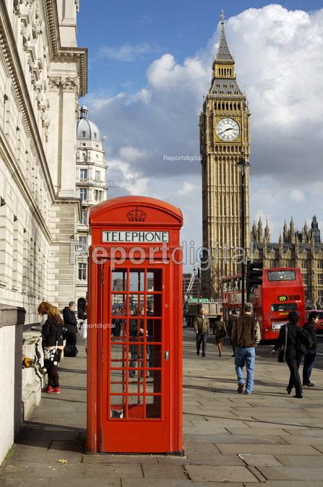 Red telephone box London - Duncan Phillips - 2007-03-06