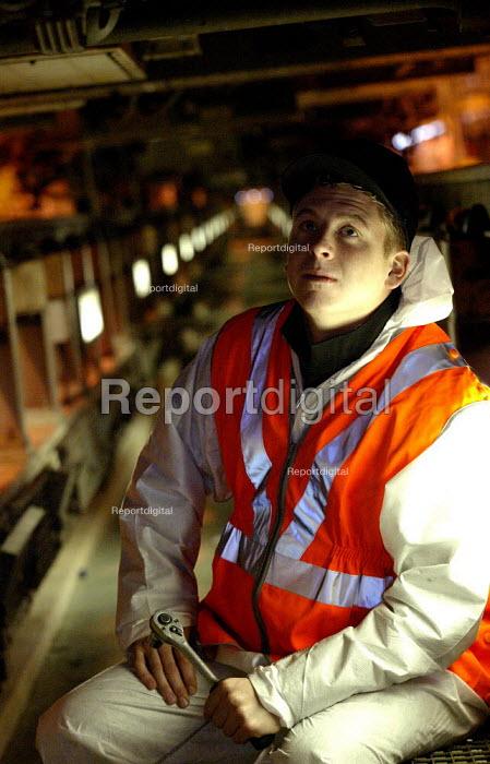 Apprentices training in mechanical maintenance on trains. Selhurst Depot, London - Duncan Phillips - 2003-03-24