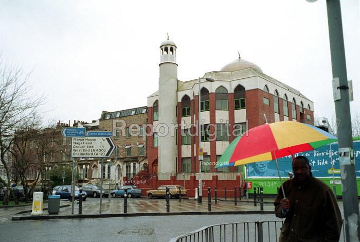 Finsbury Park Mosque London. - Duncan Phillips - 2001-11-05