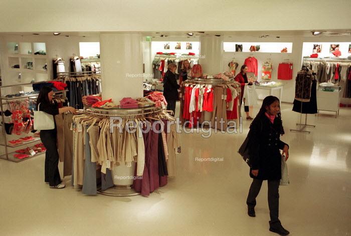 Clothes Shop. Regent St London - Duncan Phillips - 2001-06-15