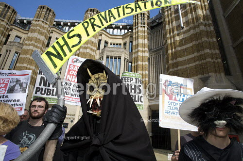 NHS 60th birthday protest over increasing privatisation - Duncan Phillips - 2008-07-04