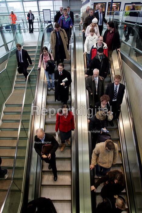 Commuters arriving St Pancras Station London - Duncan Phillips - 2004-11-12
