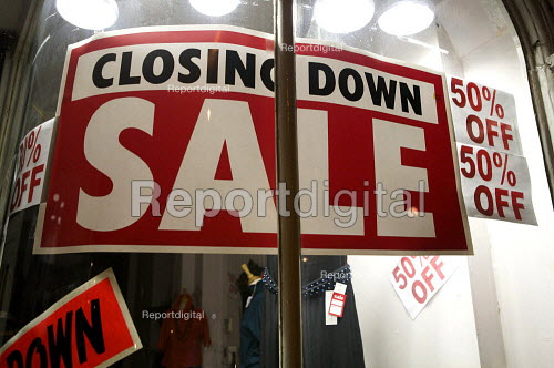 Small Retail shop closing down sale. London - Duncan Phillips - 2008-11-25
