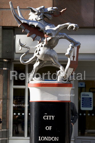 Statue of a Dragon at the Gateway to the city of London financial district. - Duncan Phillips - 2008-10-22
