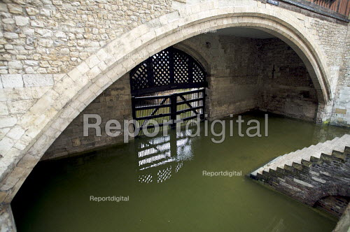 Traitors Gate, Tower of London - Duncan Phillips - 2008-07-15