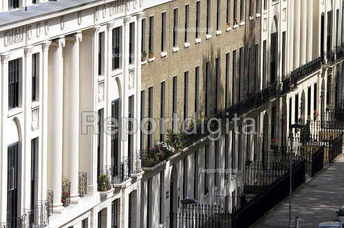 Terraced housing , Kings Cross London - Duncan Phillips - 2008-05-20