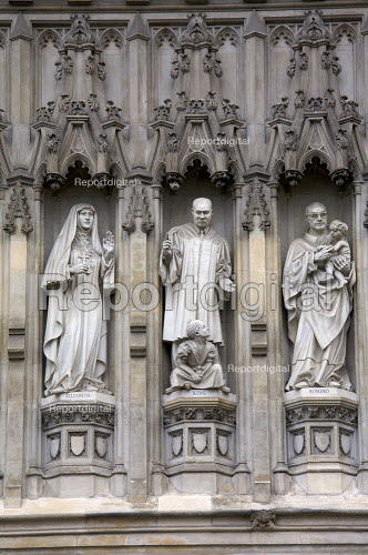 From the Gallery of twentieth century martyrs at Westminster Abbey, stone sculptures of Grand Duchess Elizabeth Fyodorovna of Russia, American Civil rights leader Martin Luther King Jr. and El Salvadors Archbishop Oscar Romero London - Duncan Phillips - 2008-10-07
