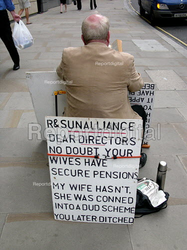 Pensions protest, City of London - Duncan Phillips - 2005-07-19