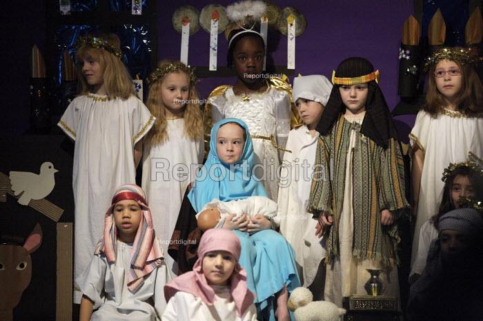 Primary School Nativity play - Duncan Phillips - 2006-12-13