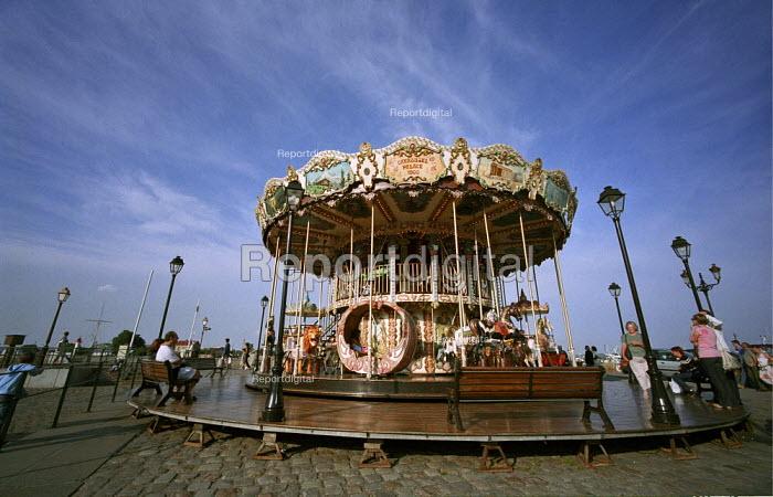 Carousel ride, Honfleur France - Duncan Phillips - 2005-08-15