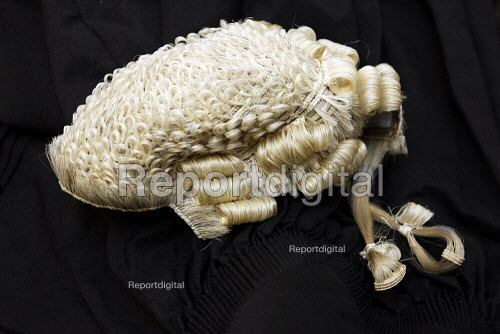 Barristers wig and Gown - Duncan Phillips - 2006-11-25