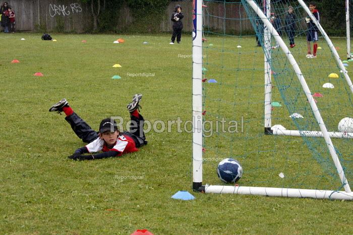 Pupils playing a football match - Duncan Phillips - 2008-07-06