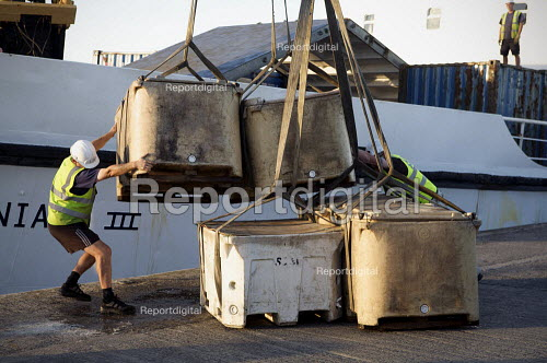 Unloading fresh fish at the quayside, Penzance, Cornwall - Duncan Phillips - 2010-08-30