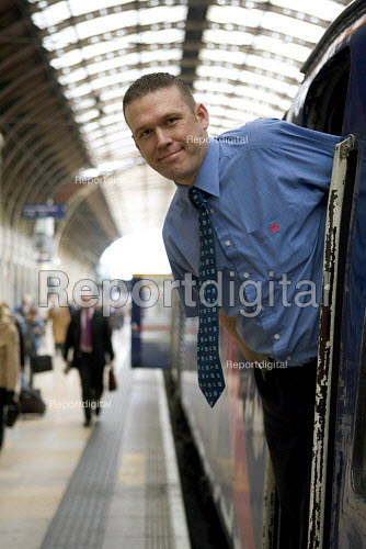 Train Driver Paddington Station - Duncan Phillips - 2006-03-20
