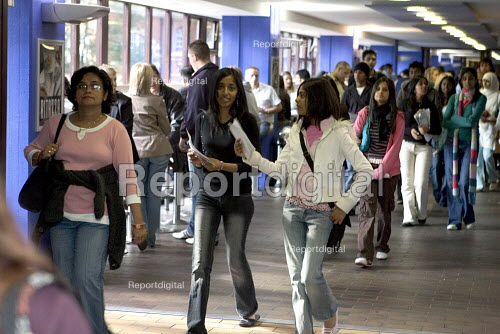 Open Day for prospective students at City University in London. - Duncan Phillips - 2005-10-01