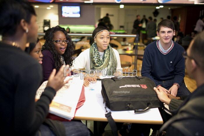 Student Union Bar - Duncan Phillips - 2009-10-14