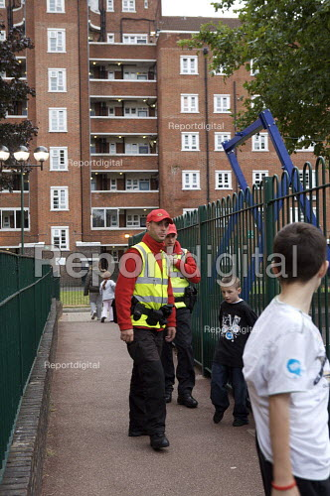 Street Wardens patrolling an estate Camden London - Duncan Phillips - 2007-09-21