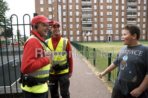 Street Wardens patrolling a housing estate Camden London - Duncan Phillips - 2007-09-21