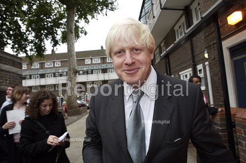 Boris Johnson campaigning for conservative candidate for mayor of london. - Duncan Phillips - 2007-09-21
