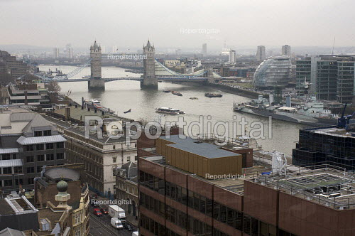 Tower bridge and River Thames, London - Duncan Phillips - 2009-02-19