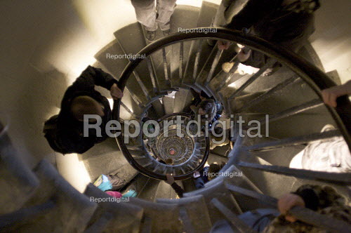 Spiral Staircase inside the Monument, City of London. - Duncan Phillips - 2009-02-19