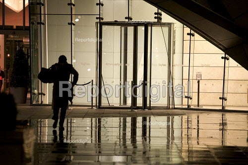 Office workers working late in the City of London - Duncan Phillips - 2010-02-24