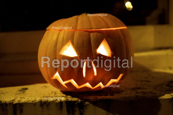 Pumpkin jack-o'-lantern, Halloween, London - Duncan Phillips - 2009-10-31