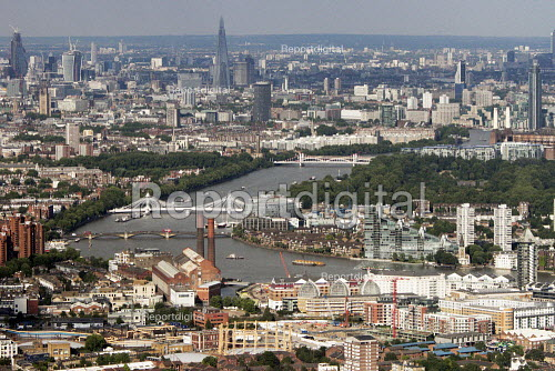 Aerial View of London - Looking East towards the City. Chelsea in foreground - Duncan Phillips - 2013-07-26