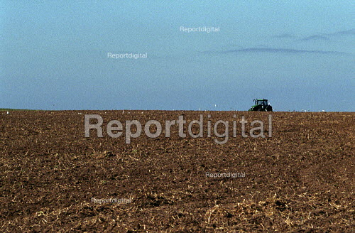 French Farmers bringing in the Harvest, Normandy. - Duncan Phillips - 2005-07-15