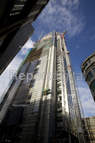 Contrtuction of a skyscraper, City of London. - Duncan Phillips - 2009-10-22
