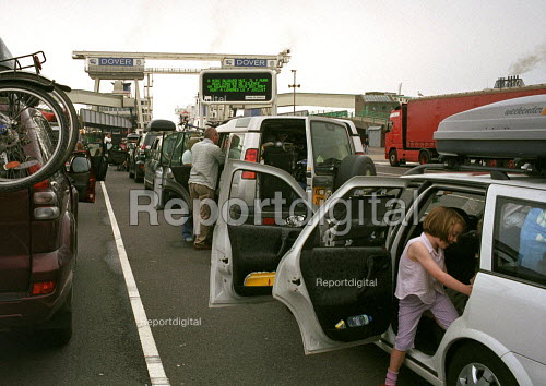 Holidaymakers waiting at Dover Docks to travel by ferry across the channel. - Duncan Phillips - 2005-07-15