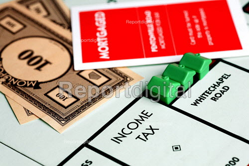 Monopoly board and pieces. - Duncan Phillips - 2006-11-28