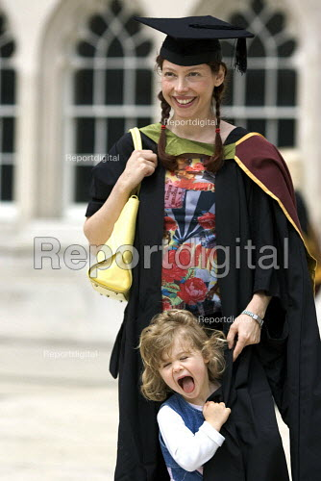 University graduation ceremony, The Gulidhall, London. - Duncan Phillips - 2005-05-25