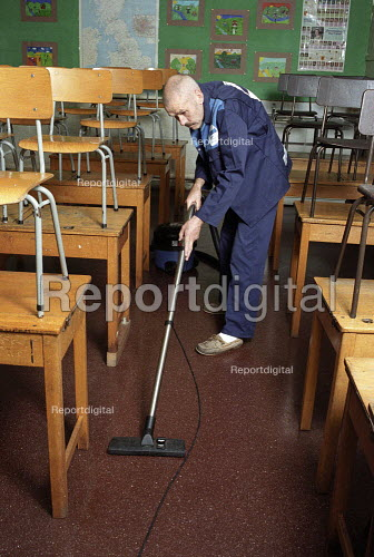 Council cleaners cleaning a Primary School , Harrow, London - Duncan Phillips - 2005-09-29