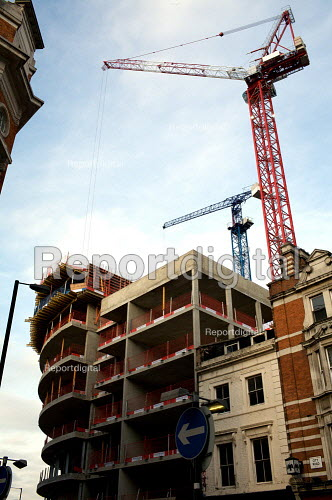 Construction site, Old street, City of London. - Duncan Phillips - 2009-03-18