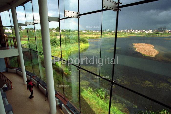 Visitors at the London Wetland Centre, Barnes, London - Duncan Phillips - 2002-05-11