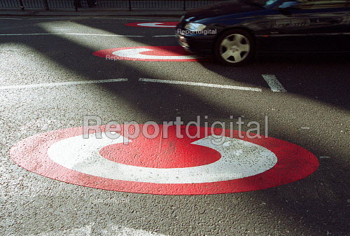 Congestion Charge signs, Central London. - Duncan Phillips - 2003-02-17