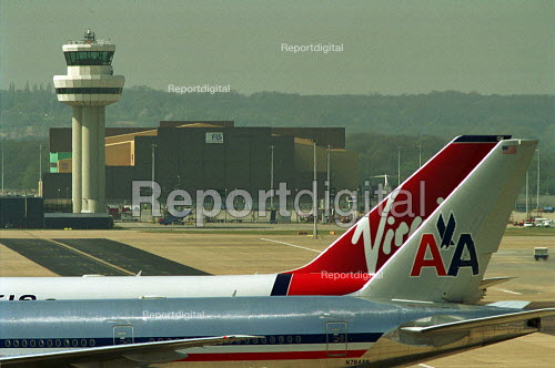 Passenger jets and air traffic control tower, Gatwick Airport. - Duncan Phillips - 2003-04-17