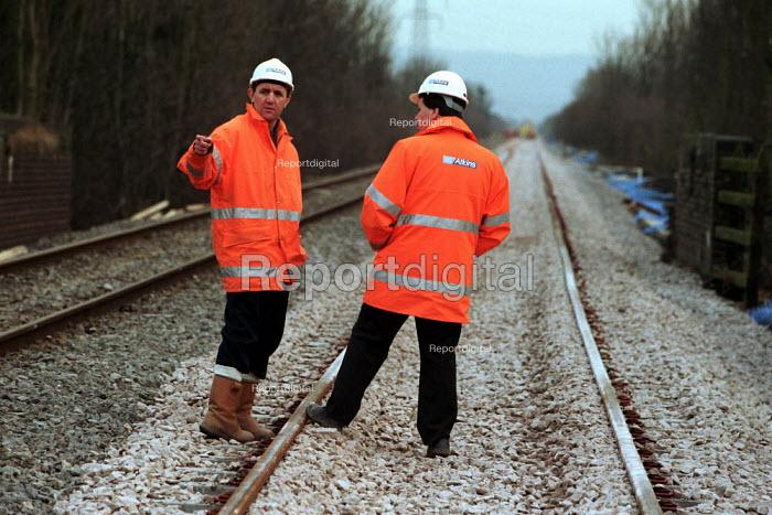 Railway construction workers. - Duncan Phillips - 2000-02-26