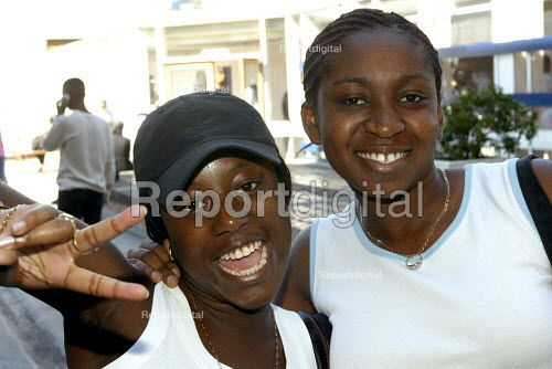 Students collecting A Level Results, Camden, London - Duncan Phillips - 2003-08-15